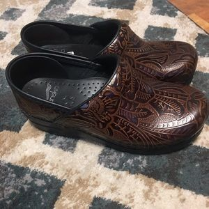 Dansko brown shoes - size 37